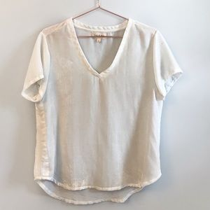 Anthro Cloth & Stone White textured v-neck top